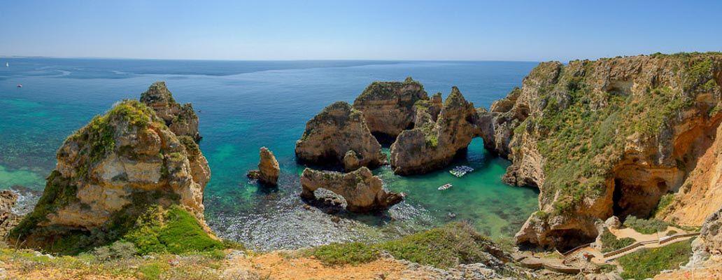 Falaises et criques du sud portugal, à Faro en Algarve portugal